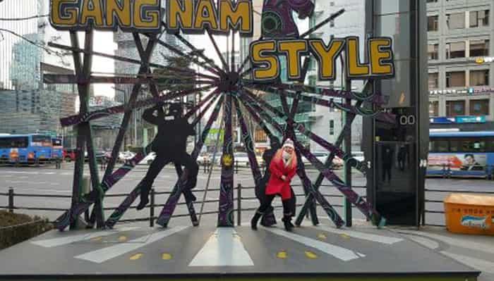 استند رقص گانگنام استایل 3