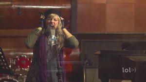 کمدی خوش خنده : اتوتیون در برابر صدای واقعی خواننده